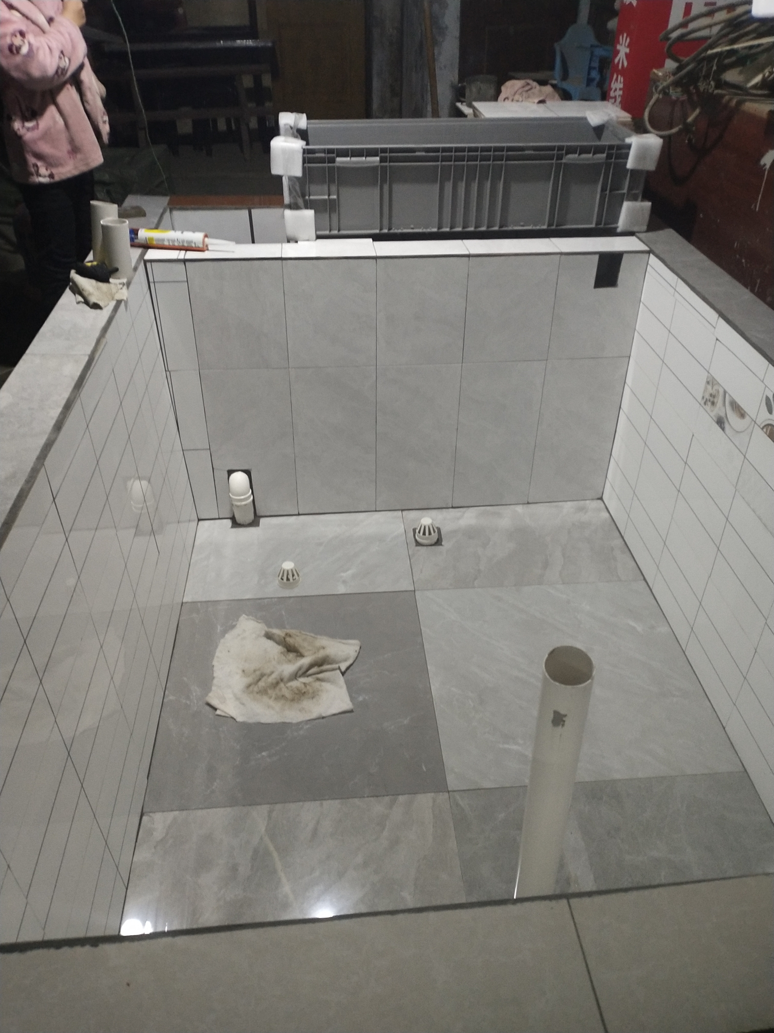 重庆哪个水族店卖布隆迪六间锦鲤鱼池做好了 重庆龙鱼论坛 重庆水族批发市场第2张